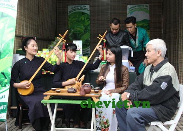 Giới thiệu chè Thái Nguyên với bạn bè quốc tế