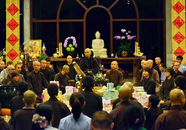 Thiền trà làng Mai