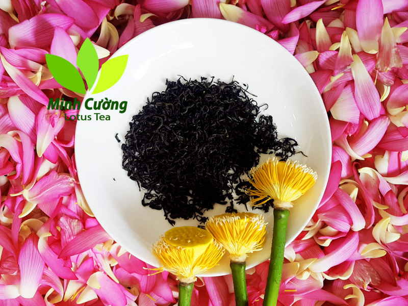 Hương thơm ngan ngát của sen quyện với vị đậm đà của trà tạo ra một thức uống đặc biệt